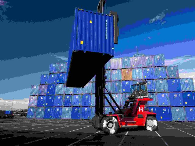 http://atlaslogistics.co.in/wp-content/uploads/2015/09/Red-lifter-blue-boxes-with-blue-sky1-640x480.jpg